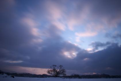 裏磐梯の朝焼けの空