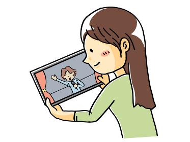 タブレットでライブを見る女性の手描きイラスト