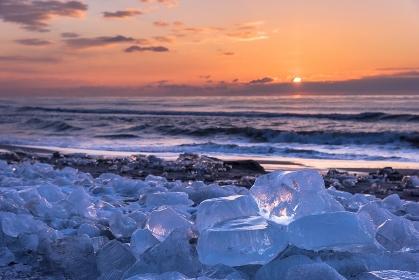 北海道 豊頃町 ジュエリーアイス(海岸に打ち上げられた氷)
