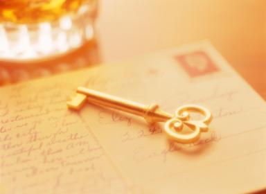 鍵と手紙とウイスキー