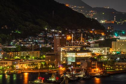 北九州市の有名な観光地門司港レトロ地区の美しい夜景