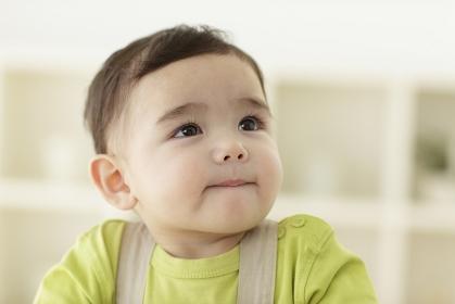 室内の赤ちゃん