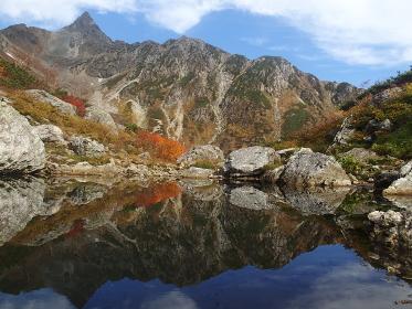 北アルプス・槍ヶ岳の氷河公園の秋