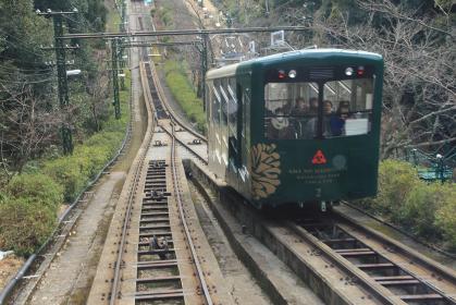 交通風景写真:登坂する天橋立ケーブルカー京都天橋立鋼索鉄道