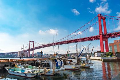 夏空の若戸大橋