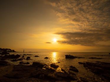 三浦半島 荒井浜の夕景 10月