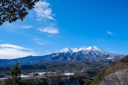 御岳山の冠雪 久藏峠からの眺め