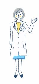 笑顔で説明する女医