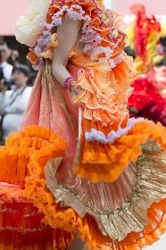 サンバを踊る女性