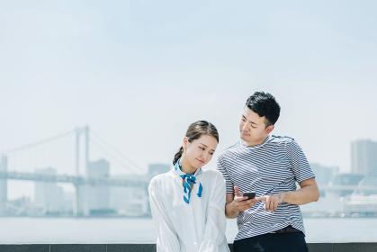 スマートフォン(モバイル端末)・カップル・デート
