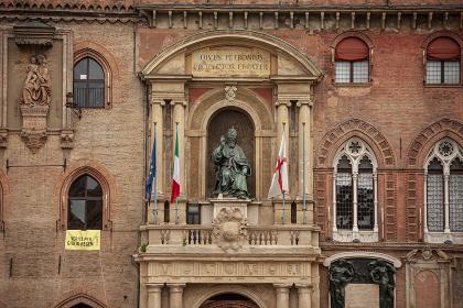Bologna architecture detail 12