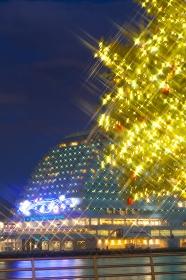 クリスマスツリーとオリエンタルホテル