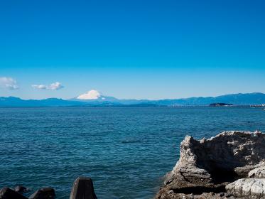 岩場と富士山 2月 葉山町