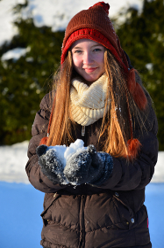girl in winter snow