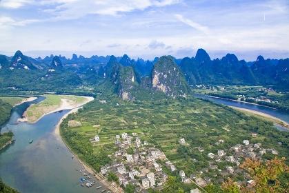 中国・桂林郊外 漓江と興坪鎮の町並み