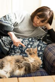 猫(メインクーン)・女性・ペット