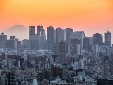 新宿副都心と富士山 夕景