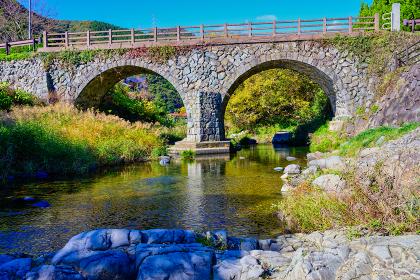 秋の石造二連アーチ橋 春吉の眼鏡橋【福岡県】