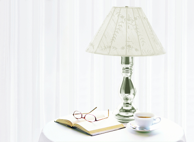 スタンドと本とメガネ
