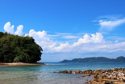 瀬戸内のハワイ、周防大島から眺める夏の海と島