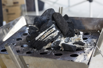 炭火焼バーベキューグリルの画像