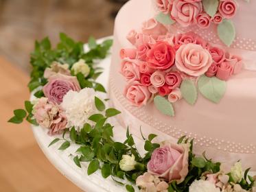 ウェディングケーキイメージ