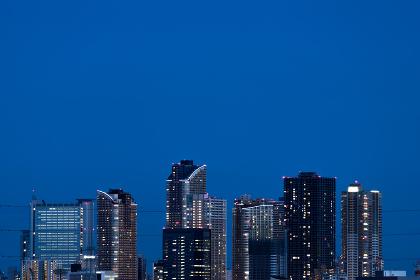 夜景のビル群(日本・武蔵小杉・高層ビル)