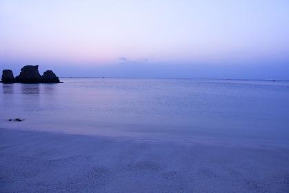 夕暮れのアラハビーチ 沖縄県