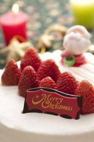 クリスマスケーキとキャンドル