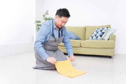 家事をする男性