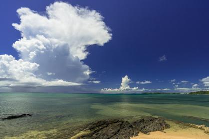 沖縄県 恩納村 スーパーセル(超巨大積乱雲)