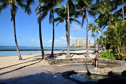 ハワイ クヒオ・ビーチ・パークのビーチシャワー