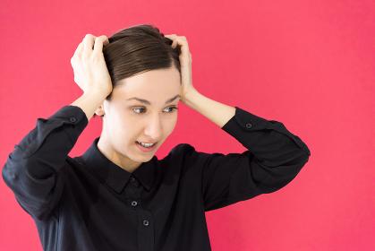 ショートヘアーの女性のポートレート(欧米人・白人・ロシア人)