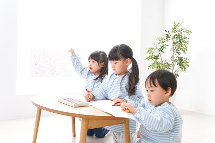 こども園・幼稚園・保育園