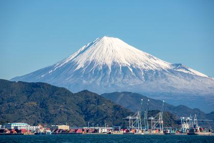 清水港から富士山の眺望(清水市・静岡)