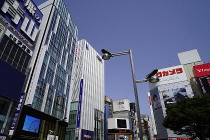 新宿東口近辺の街並み