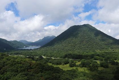 群馬県・榛名富士と榛名湖 (相馬山からの展望)