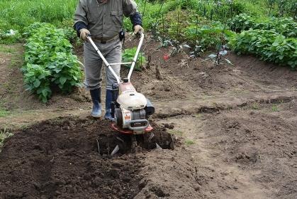 家庭菜園/土づくり・ミニ耕運機