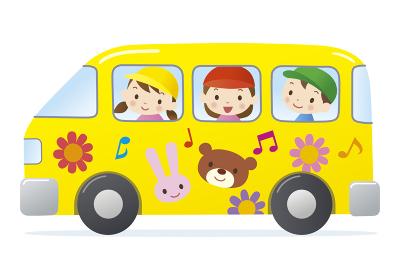 バスに乗る幼稚園児