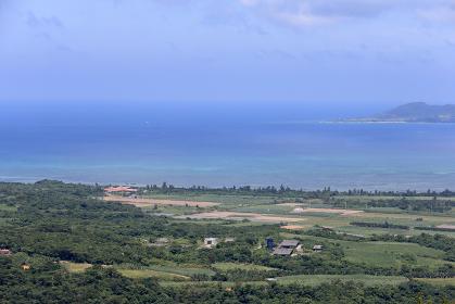 エメラルドの海の見える展望台からの景色 石垣島 沖縄