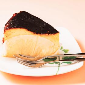 バスク風チーズケーキ チーズケーキ【 流行り スイーツ イメージ】