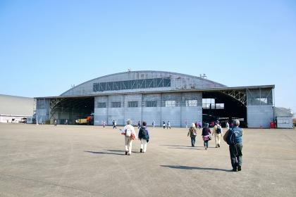 自衛隊の飛行機の格納庫