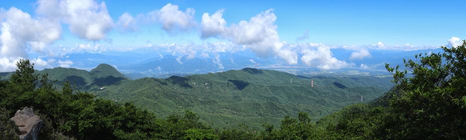 """日本百名山""""赤城山""""黒檜山""""山頂から眺望 (パノラマ)"""