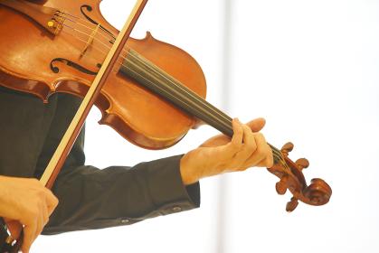 バイオリンの演奏