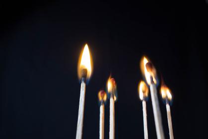 温暖化 マッチの炎と煙