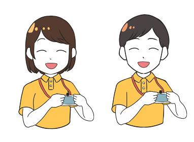 笑顔で紹介する介護士 ユニフォーム