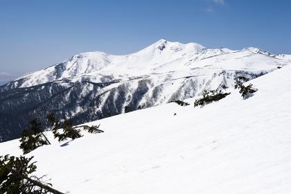 十石山から望む乗鞍岳