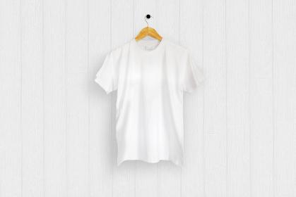 白色のTシャツ 白バック 5477