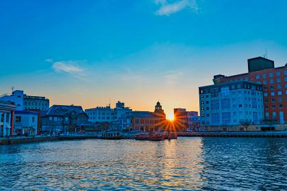 観光地門司港レトロ地区の美しい夕暮れ(福岡県北九州市)