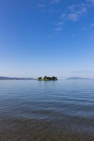 早朝の宍道湖と嫁ヶ島の風景 島根県松江市